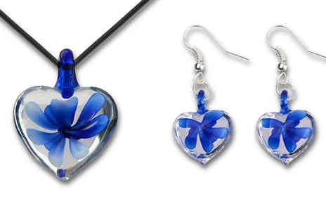 Widgetlove - Gorgeous Glazed Glass Heart Pendant Set  - Save 77%