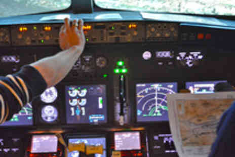 Warwickshire Flight Experience - 30 Minute Flight Simulator Experience - Save 48%