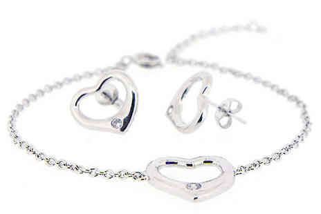 Jewel Unique - 18K White Gold Plated Heart Jewellery Set - Save 94%