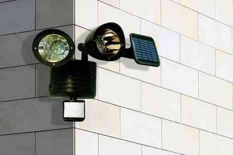 Cost Mad - LED motion sensor security light - Save 82%