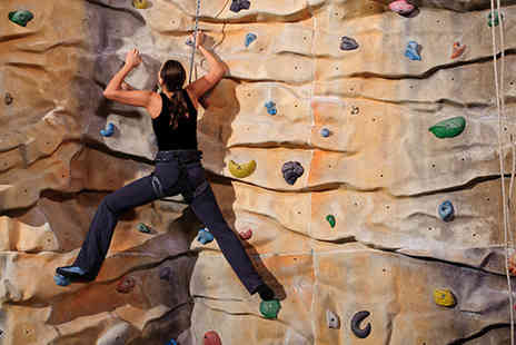 City Bloc Indoor Climbing - 30 minute indoor climbing lesson - Save 55%