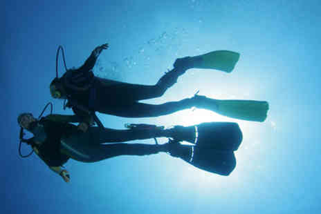 Dive Bunker - Two hour beginner indoor scuba diving lesson - Save 73%