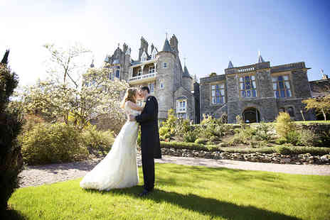 AmaZing Venues - Wedding package for up to 75 guests - Save 52%