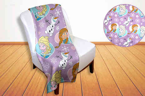 Divinity Fashion - Cuddle up with the Disney Frozen Fleecy Blanket - Save 55%
