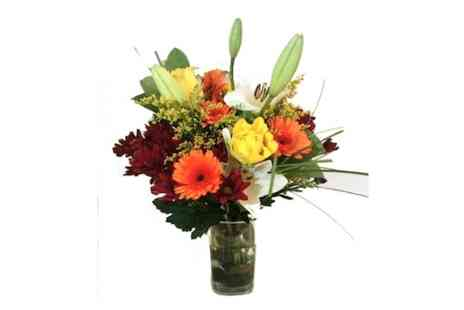 Flowersdelivery4u - Florists choice beautiful bouquet  - Save 15%