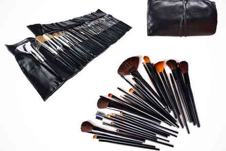 E Smartshop - Make Up Brush Set with Carry Bag  - Save 76%