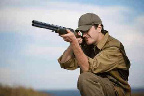 Central Scotland Shooting School - Clay pigeon shooting experience with 40 clays - Save 0%