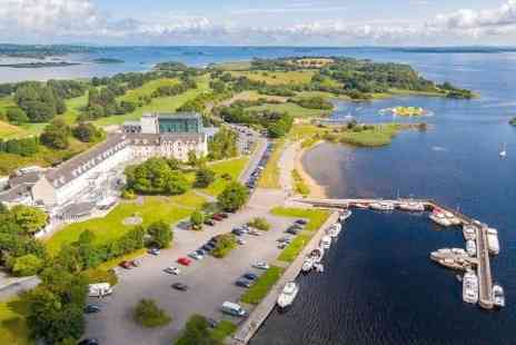 Hodson Bay Hotel - One Night stay For Two With Breakfast and Dinner Credit   - Save 0%