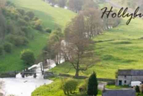 Hollybush Inn - Country Break For Two For One Night With Canoe Hire - Save 59%