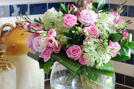 iflorist - Summer Chintz Boutique Bouquet or Mother's Day Roses with Vase  - Save 52%