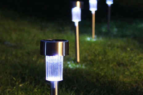 Gift Mountain - Solar Powered LED Garden Lights - Save 53%