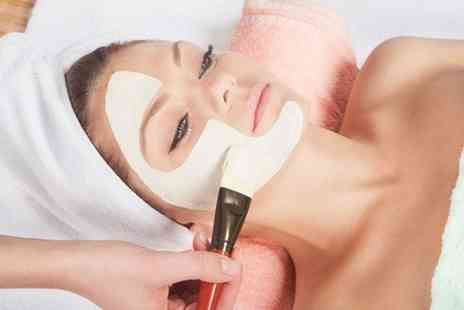 Headmasters - Dermalogica Express or Dermalogica Signature Facial  - Save 47%