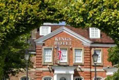 The Kings Hotel -One Night Historic Stay For Two With Three Course Meal - Save 59%