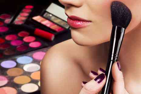 Lash and Thread Beauty Training School - Make Up Workshop  - Save 0%
