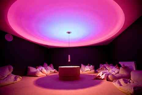 The Club - Spa day including wine on arrival, deep cleansing facial & use of facilities - Save 53%