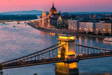 TravelUnravel - Budapest hotel breaks with flights - Save 38%