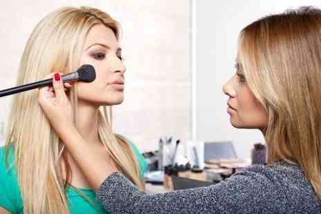 The Studio Academy - One To One Make Up Application Workshop - Save 53%