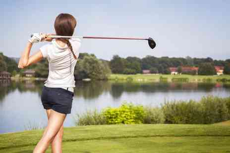 Oakmere Park Golf Club -   Three 1hr beginner golf lessons including 18 holes  - Save 60%