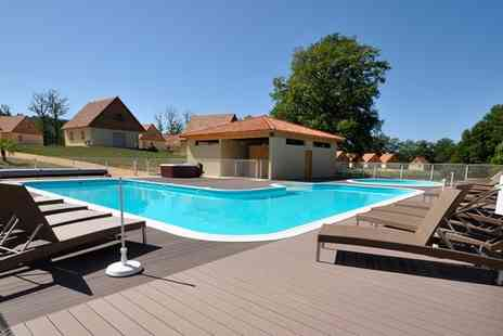 Le Lac Bleu - Enjoy a Seven night holiday in a villa for up to 8 in  France - Save 56%