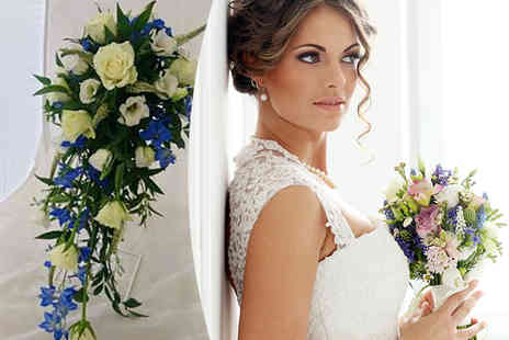 La Sweet Boutique - Flower wedding package including a bridal bouquet, 2 bridesmaid bouquets, 4 button holes and 2 corsages  - Save 62%