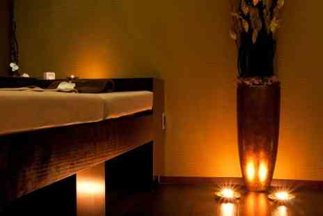 Cyan Beauty  - One Hour Candlelit Massage  - Save 60%