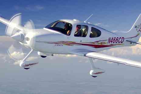 Experify - One hour flying lesson with Experify  - Save 55%