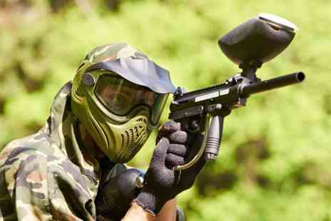 Elsham Activity Centre - Paintballing day for 4 with lunch and 100 paintballs each  - Save 94%