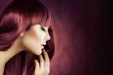 Diamond Dolls Beauty - Wash, cut, conditioning treatment and blow dry - Save 71%