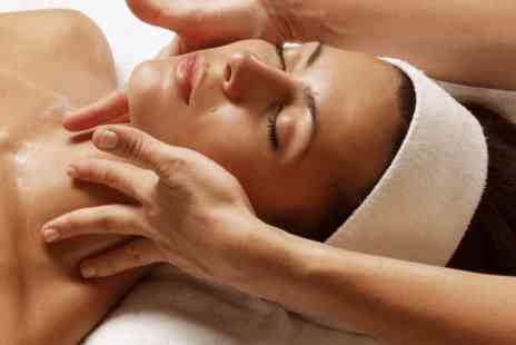 Blo - 75 minute deep cleansing Elemis facial with a mini massage - Save 0%