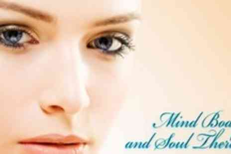 Mind, Body & Soul - Full Set of Eyelash Extensions Plus Eyebrow Shape - Save 67%