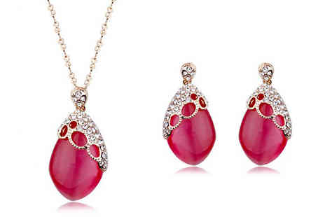 Cocobury - Gold Plated Red Opal Jewellery Set - Save 71%