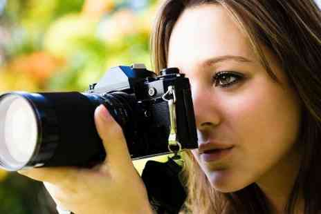 Professional Photographer Bath - Three Hour Walking DSLR Photography Tour - Save 72%