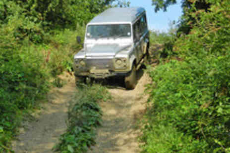 Experience the Country - 4x4 Off Road Land Rover Driving Experience - Save 55%