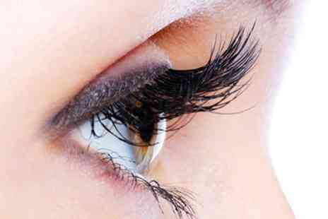 Celestial Beauty Salon - Full Set of Eyelash Extensions With Eyelash Tint - Save 62%