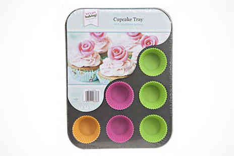 Kitchen Gadgets - Cupcake Tray with 12 Silicone Cases - Save 70%