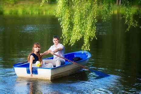 Finsbury Park Boats - 30 minute boat hire for up to 4  - Save 56%