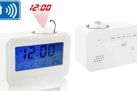 Euro Field - Sound Controlled Talking LCD Projector Clock - Save 58%