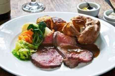 The Worsley Arms Hotel - AA recommended Sunday lunch and prosecco - Save 55%