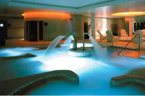 Amida Spa Hampton - Twickenham Spa Day for 2 with Lunch & Prosecco - Save 53%