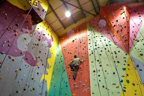 The Pinnacle Climbing Centre - Three Beginners Climbing Course Lessons For One  - Save 61%