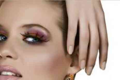 Prima Donna - Individual lashes, an eyebrow tint with shape, deluxe shellac manicure and hand massage - Save 75%
