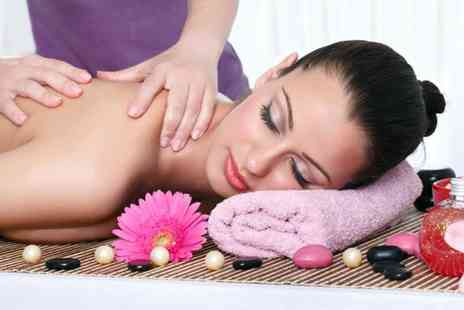 Spa Prana - One hour aromatherapy oil massage  - Save 77%