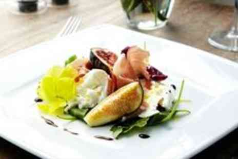 West Street Vineyard - Canapes and sparkling wine at Essex Vineyard - Save 0%