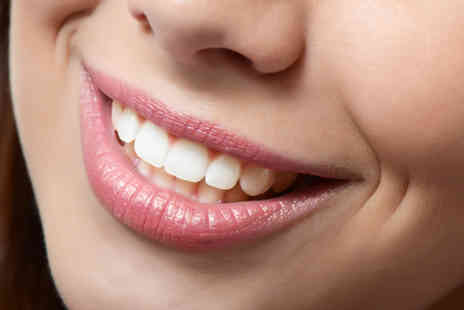 Dental Care London - One arch of clear adult braces  - Save 53%