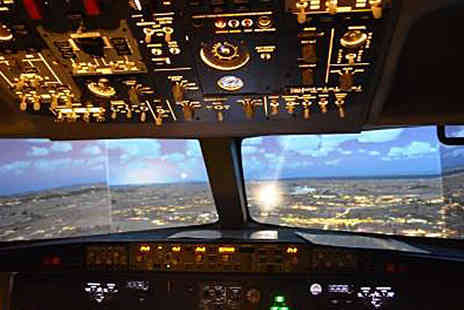 Warwickshire Flight Experience - 30 Minute Flight Simulator Experience - Save 51%