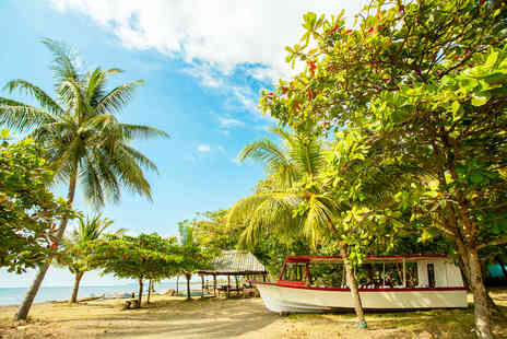 Costa Rica Monkey Tours - Seven night Costa Rica beach and adventure holiday - Save 37%