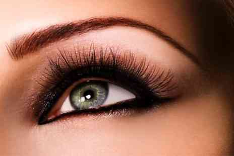 The Beauty Chain - Semi Permanent Make Up - Save 51%