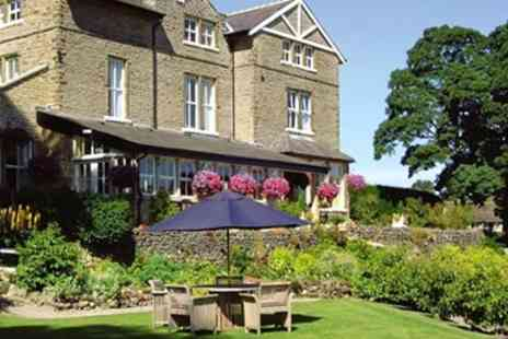 The Devonshire Fell - Three Course Dinner for Two - Save 25%