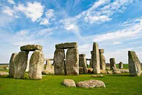 Premium Tours - Adult Ticket to Stonehenge and Bath Tour with Premium tours - Save 50%