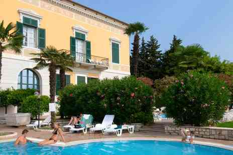 Nuovo Residence Toscolano - Three or Four Nights full board with private beach - Save 39%